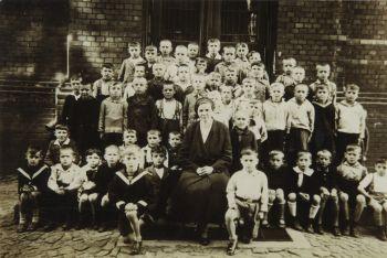 Uczniowie szkoły, lata przedwojenne